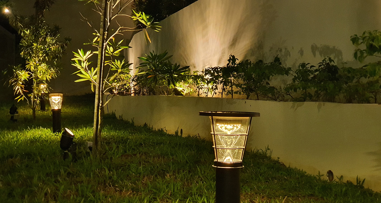 SuperBeam 60W Solar Spot Light