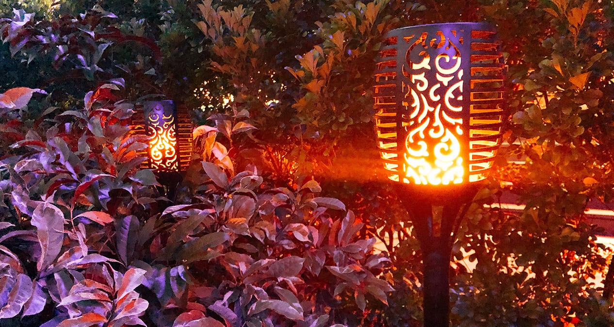 Solar Tiki Flame Light
