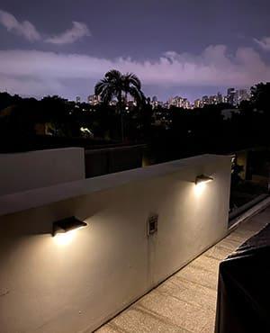 GREY 21 LEDS SOLAR MOTION SENSOR WALL LIGHT (WARM LIGHT)